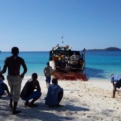 Captages d'eau douce et d'eau de mer sur une île